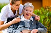 When to Put an Alzheimer's Patient Into a Home